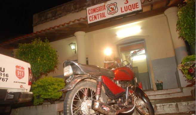 Ladrón arrepentido; robo una moto y luego pidió perdón