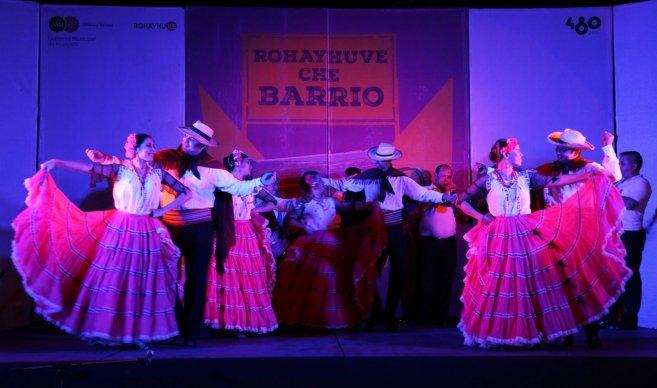 Hoy es la apertura de Rohayhuve Che Barrio en la Escalinata Antequera
