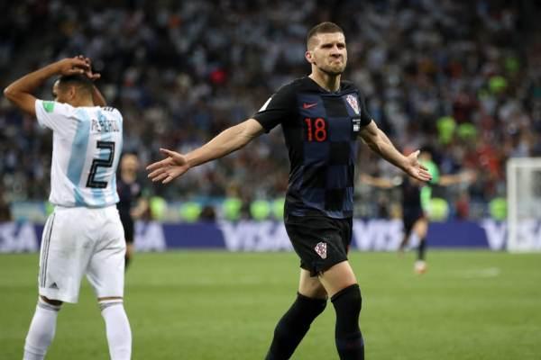 Croacia golea 3-0 y Argentina queda en terapia
