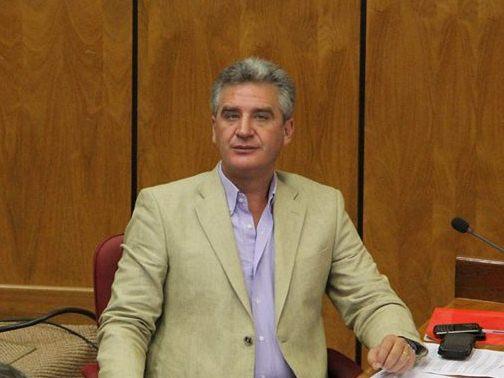 El senador Enrique Bacchetta se recupera y dejará la sala de UTI