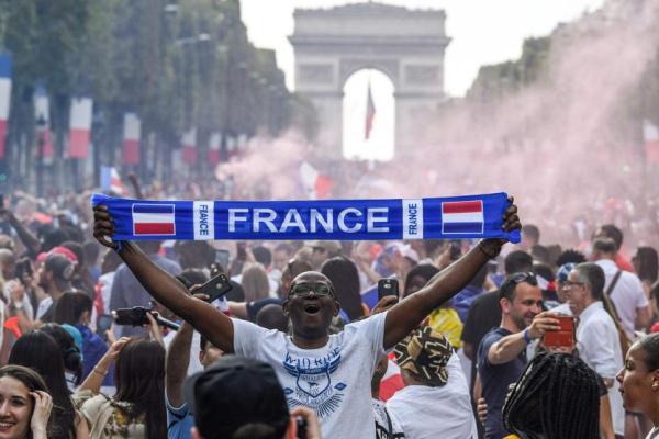 """Un millón de franceses festejarán con los """"bleus"""""""