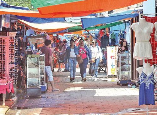 Alberdi al costo: los comercios ofrecerán una variada oferta