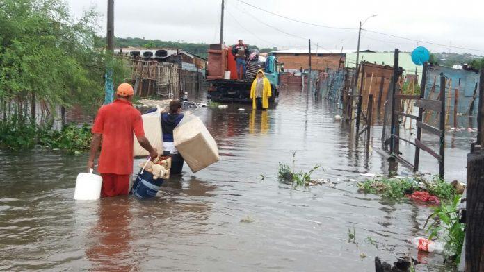 crecida del rio Paraguay damnificados familias asistencia