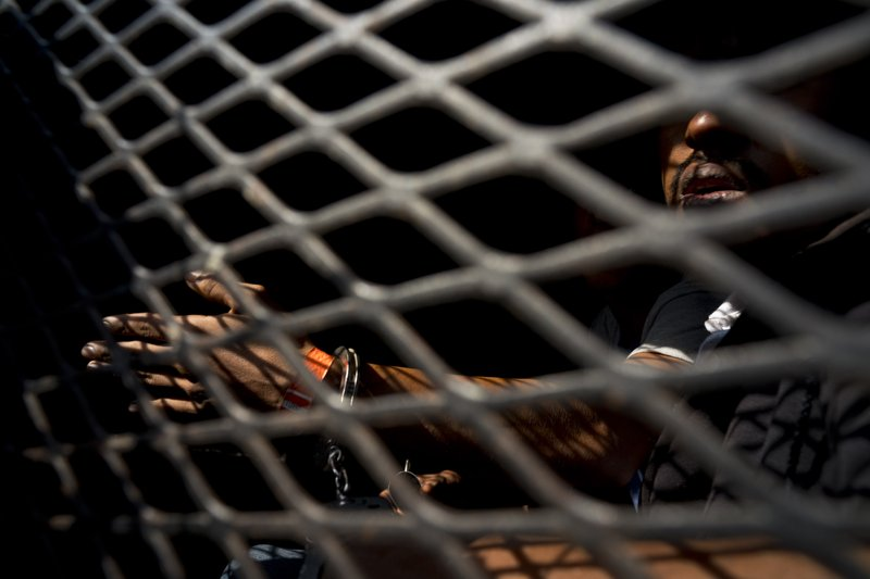 México detiene a 213 migrantes de la 4ta caravana