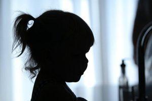 Abuso niños menores ilustrativo 001