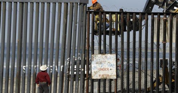 Migrantes en Tijuana podrían enfrentarse a una larga estadía