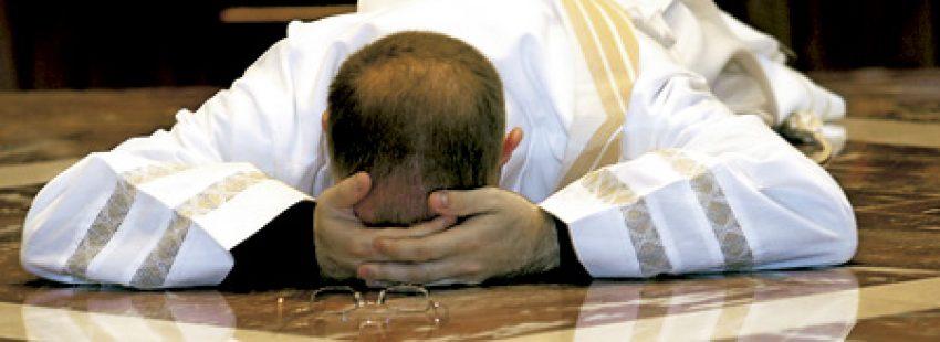 Un cura confesó que robó 120.000 euros para jugar a la lotería