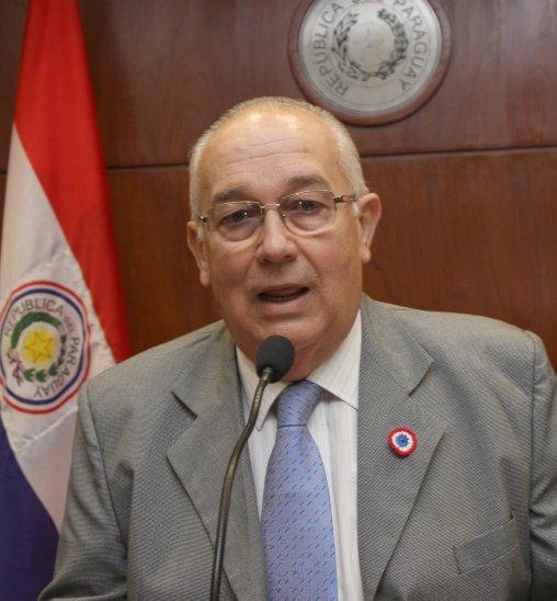 Imputan a ex ministro de la Corte