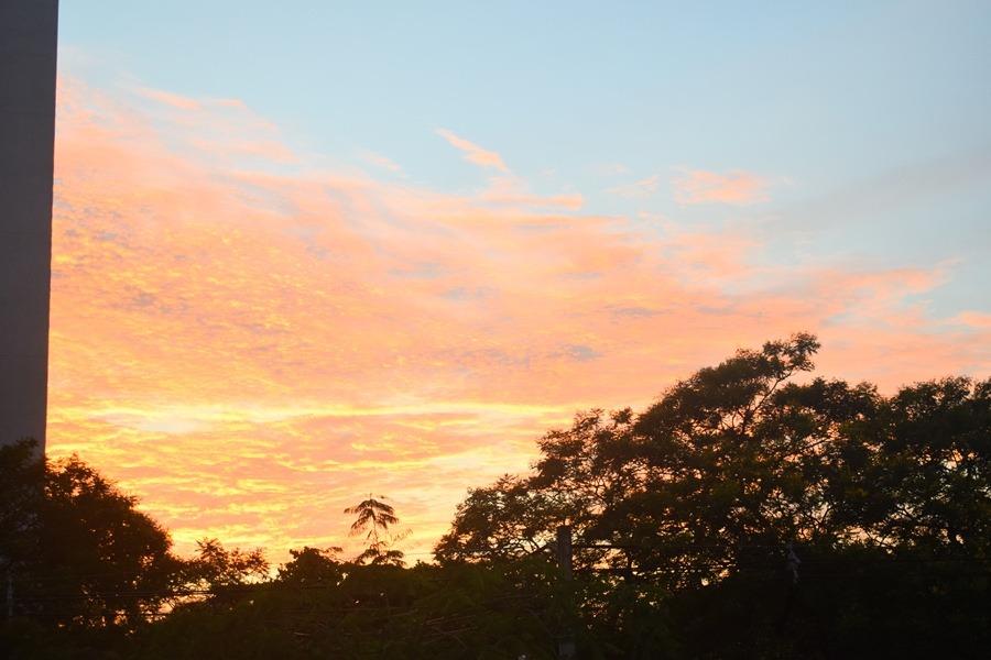 Clima amanecer caluroso 002