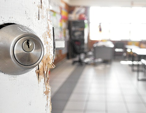 Delincuentes llevaron G. 35 millones en robo a colegio religioso
