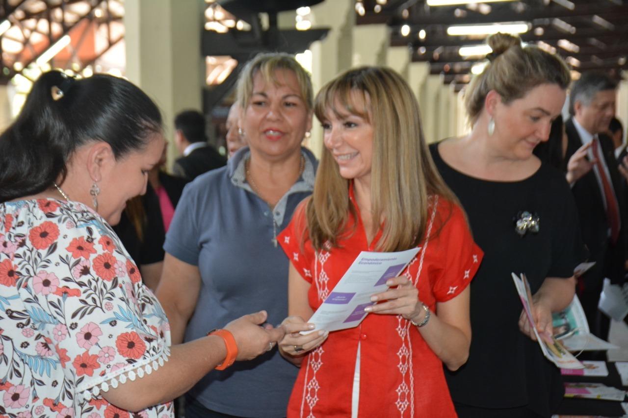 La Ministra de Trabajo capacitará a mujeres en oficios de alta productividad