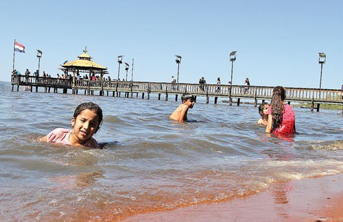 Playas de Areguá y San Bernardino altamente contaminadas