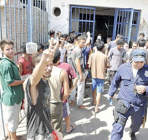 Un recluso escapó de Tacumbú usando el carnet de visitante