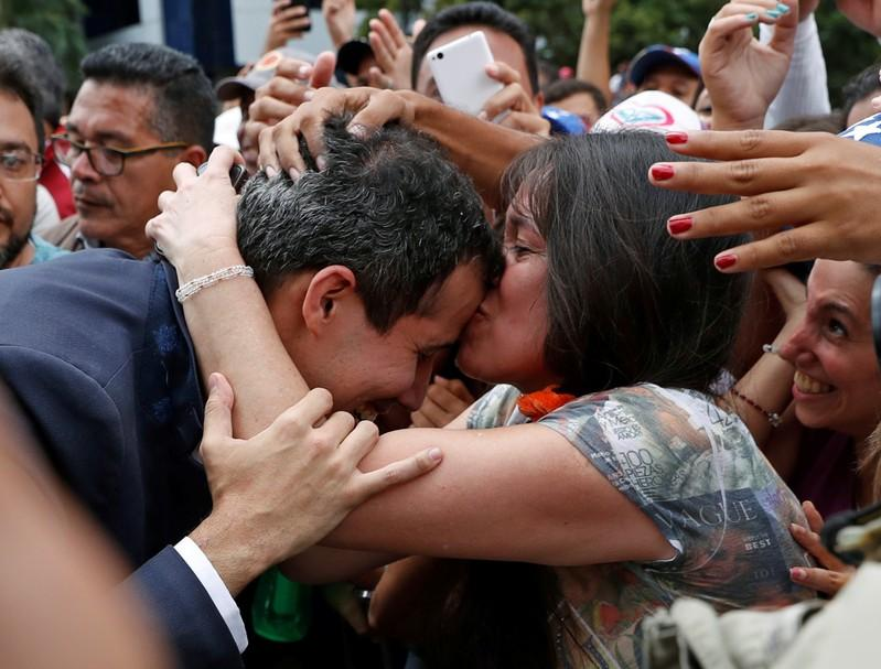 Once países del Grupo de Lima reconocen a Guaidó como presidente encargado de Venezuela