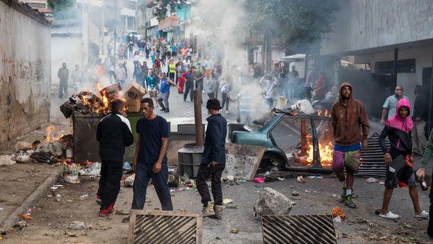 Suben a 26 las muertes en medio de las protestas de Venezuela