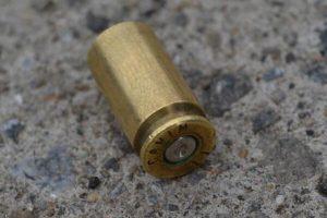 vainilla servida casquillo disparo de arma de fuego ilustrativa INTERNET 003