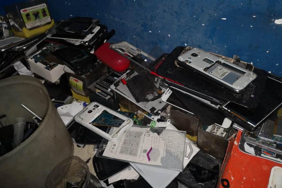 bolsas de celulares y accesorios incautados 004 GENT