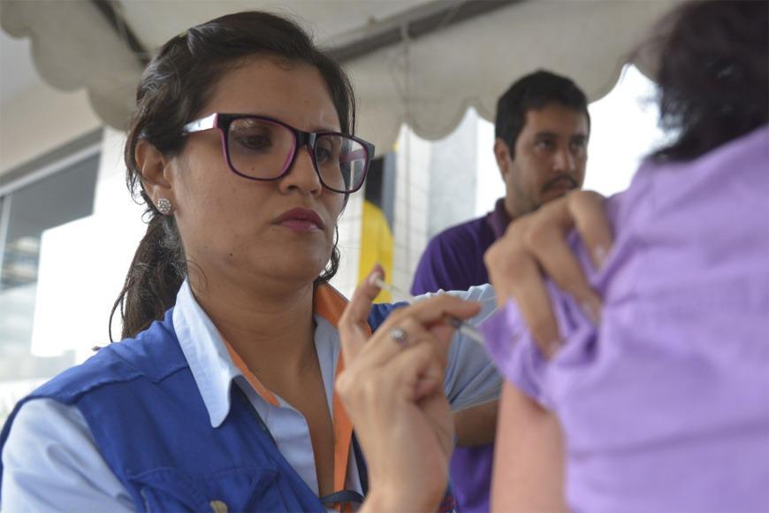 1.200.000 vacunas antigripales llegarán al país en abril