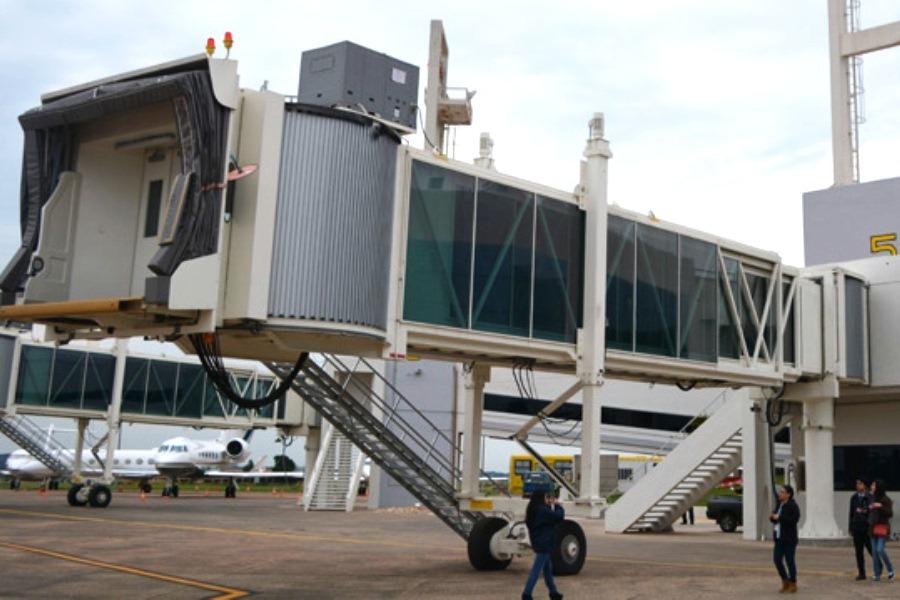 Dinac evalúa conectividad aérea con el mundo a través del Uruguay