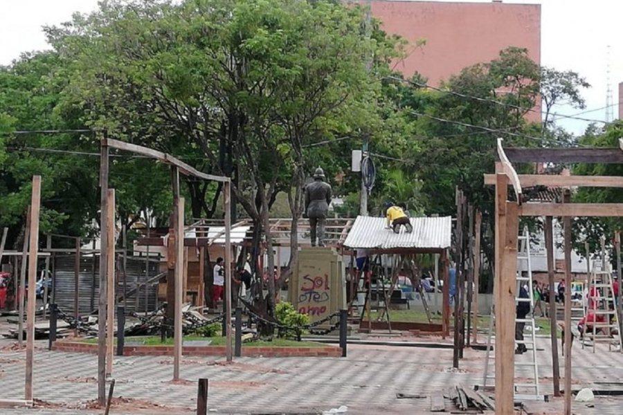 Ocupación de las plazas: ministerio y municipio se tiran la pelota
