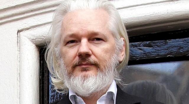 Assange fue condenado a 50 semanas de cárcel