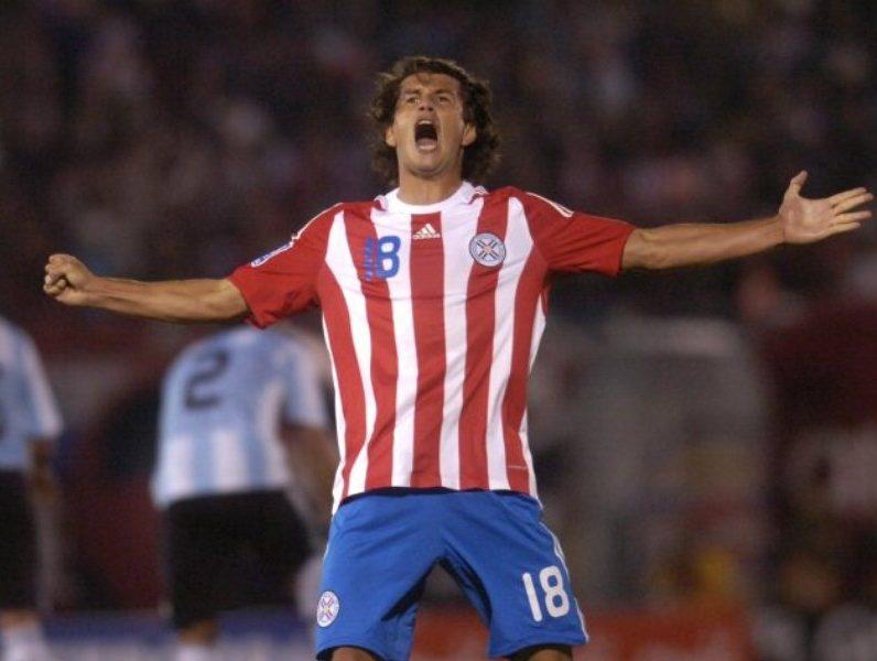 Nelson Haedo celebra un gol contra Argentina Archivo Ultima Hora