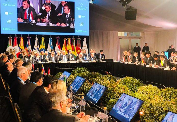 Eliminan cobro del roaming en países del Mercosur
