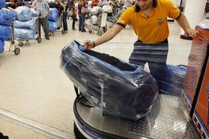 envolturas de equipajes en el aeropuerto de Miami El Nuevo Herald