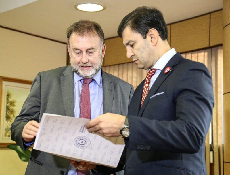 Benigno Lopez y Silvio Beto Ovelar ANR SENADO TW