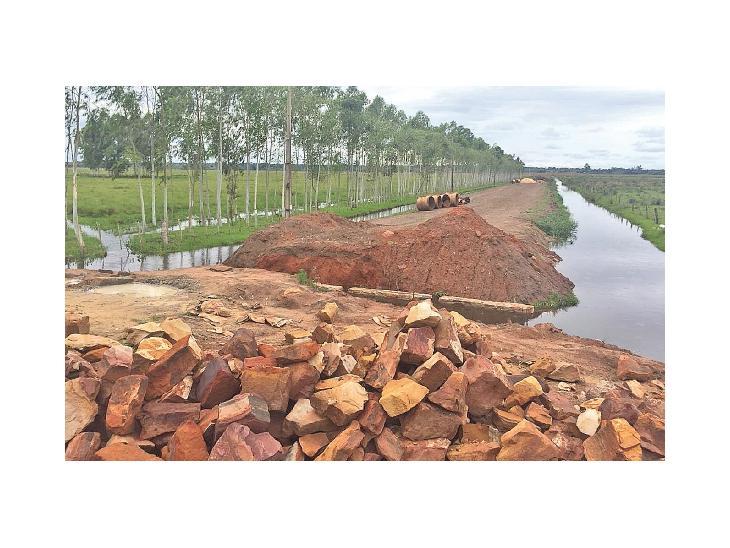 Este camino sin terminar aisla a companhias de Mbocayaty del Yhaguy UH
