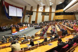 Mario Abdo Benitez ante el congreso parlamento SENADO TW