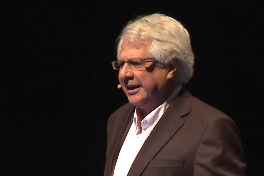 El Dr. Antonio Cubilla, premio nacional de ciencias de nuestro país, hace una ácida crítica a la burocracia que impide a los egresados con altos estudios en el exterior acceder a la titularidad de cátedras en la Universidad Nacional de Asunción (UNA).