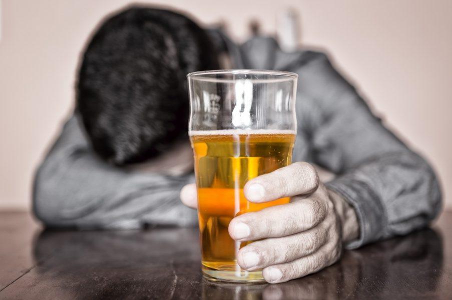 joven alcohol muerte fiesta