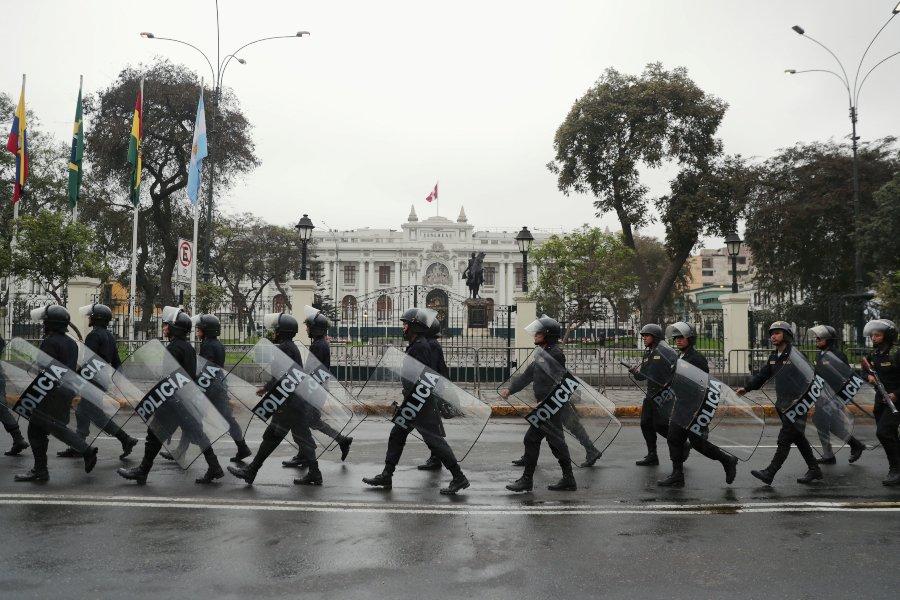 """Perú: """"Es la primera vez que hay un choque de poderes tan fuerte"""""""