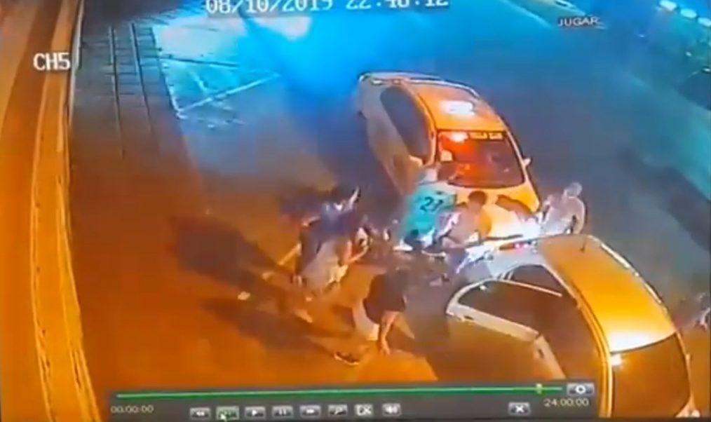 agresion de taxistas a usuarios y conductor de uber en villa elisa