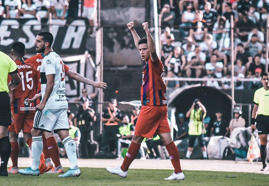 Alan Rodriguez vs Olimpia delantero de Cerro Portenho TW CCP