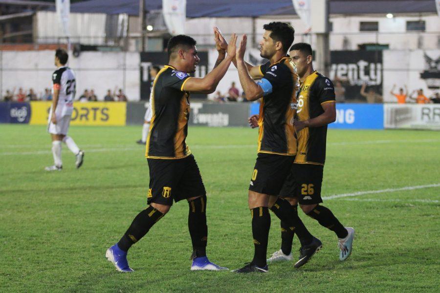 Gral. Díaz 0 - Guaraní 3. Fecha 19 Clausura 2019
