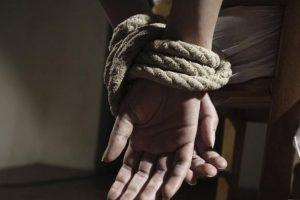 mujer maniatada secuestro asalto ILUST diaridetarragona COM