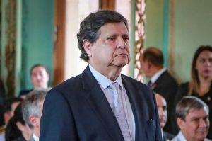 Euclides Acevedo ministro del Interior TW INTERIOR 007