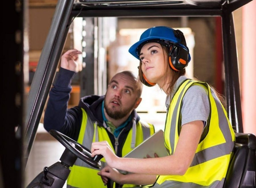 trabajo empleos mujeres ILUSTRATIVA