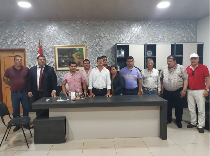 Everaldo Acosta ANR intendencia de la Juan E O'Leary en presencia de los concejales municipales GENT