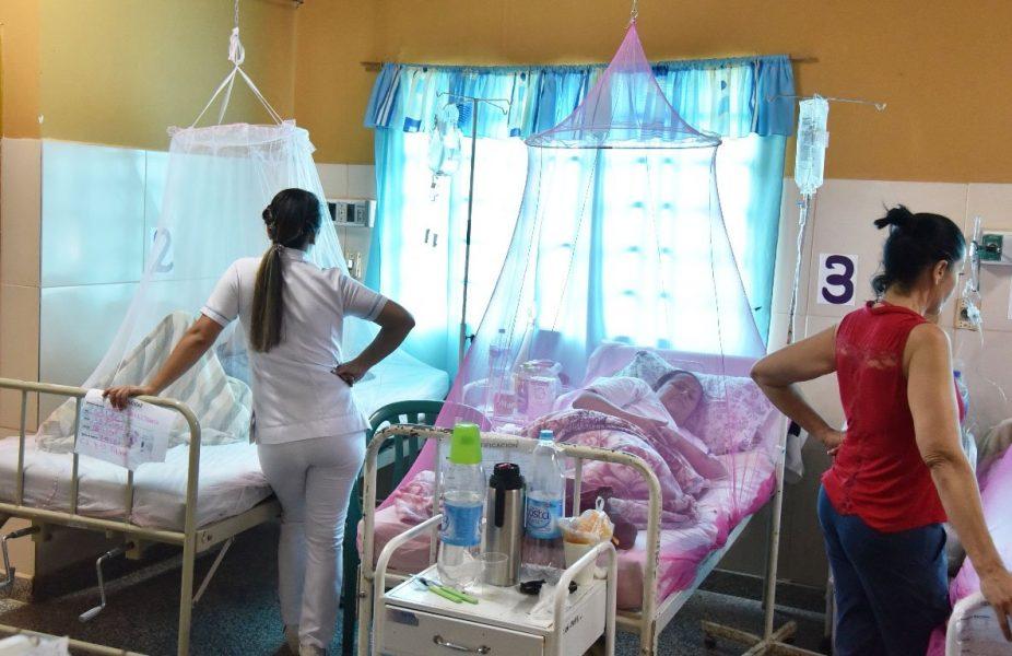 Pacientes pediatricos y adultos con signos de alarma de dengue son internados MRA Archivo UH
