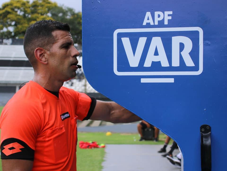 arbitros videoarbitraje VAR FB APF 02