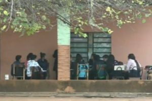 clases aulas Escuela Rita Surroca De Benitez de san lorenzo educacion NPY archivo