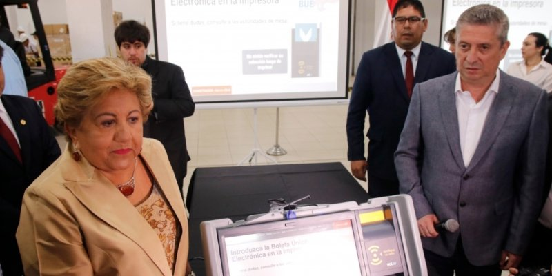 Las primeras máquinas de votación llegaron a nuestro país
