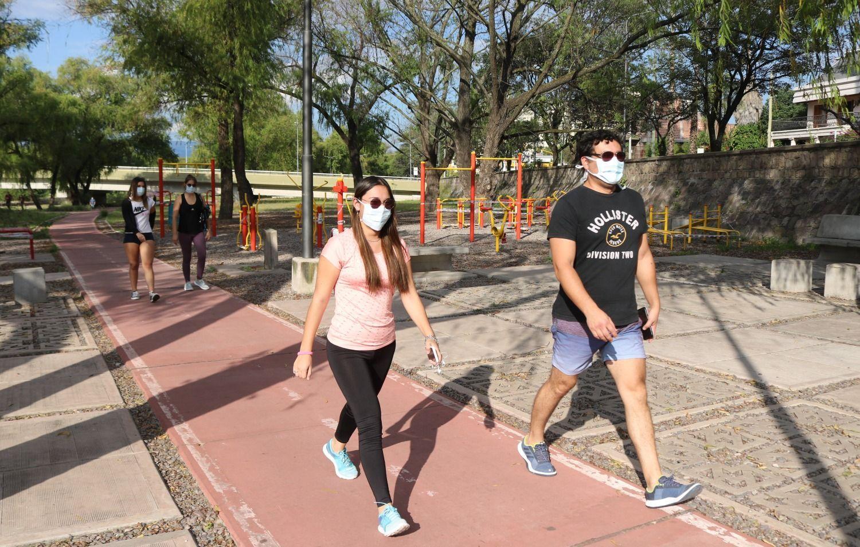 Desaconsejan el uso de tapabocas para realizar ejercicios al aire libre