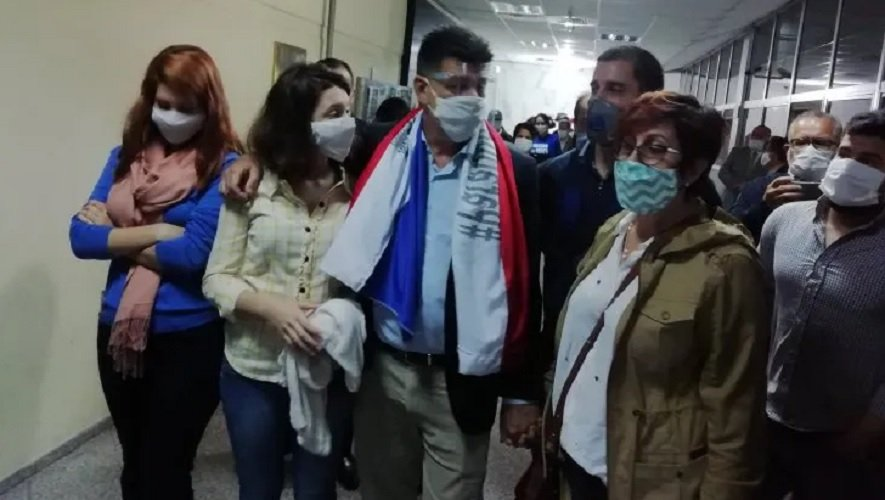 Incidentes en audiencia de imposición de medidas de Efraín Alegre