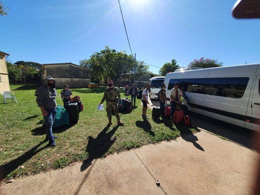 compatriotas paraguayos connacionales albergue militares covid fb repatriados