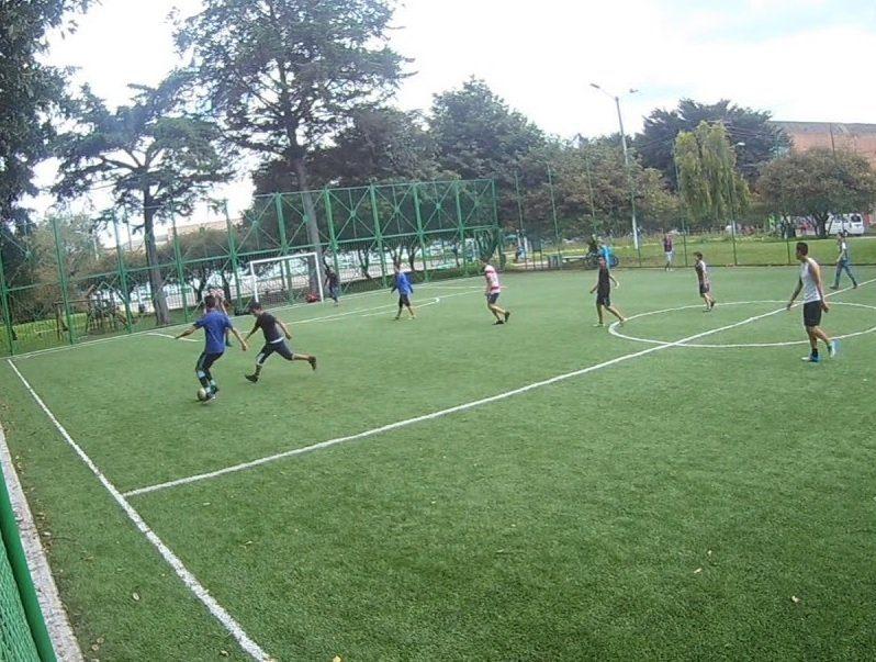 cancha sintetica futbol 5 vs 5 partido complejo deportivo YT