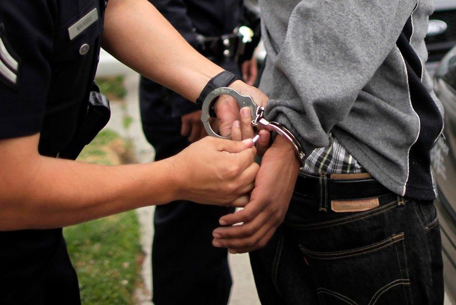 actitud sospechosa detencion policias justicia derecho